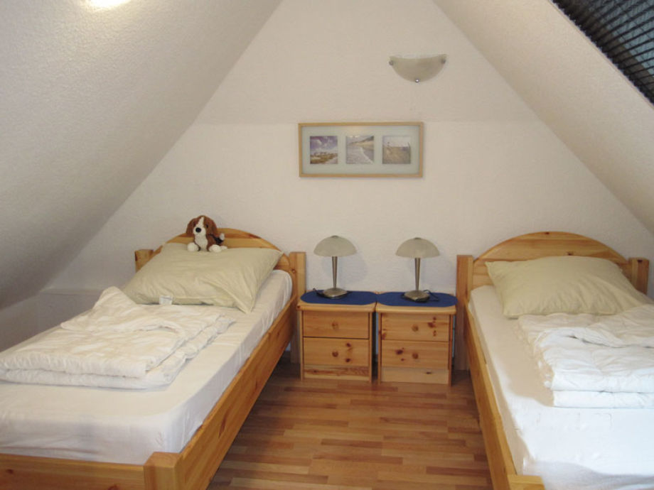 Ferienhaus burhave 63 nordsee herr joachim eichmann - Schlafzimmer dachgeschoss ...