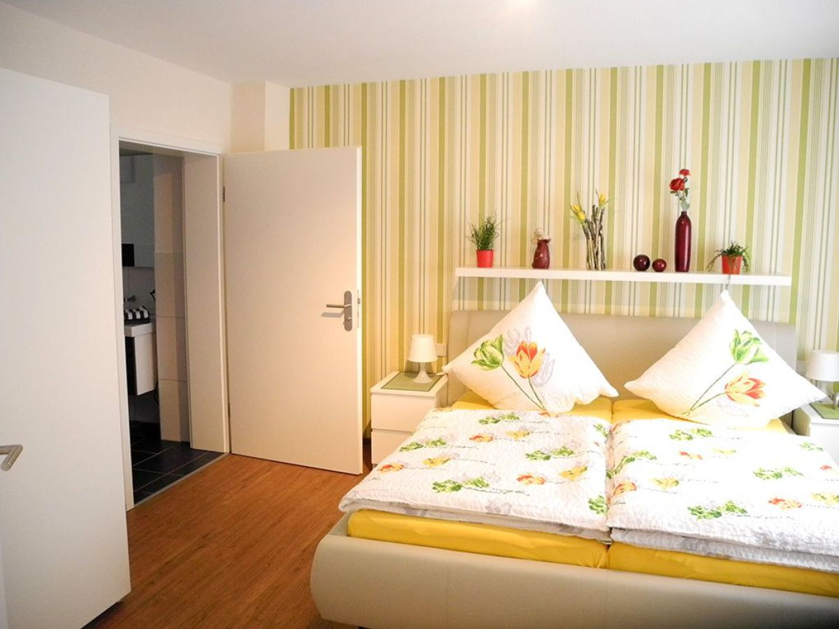 ferienwohnung be clemense st aldegund frau edith thoma. Black Bedroom Furniture Sets. Home Design Ideas