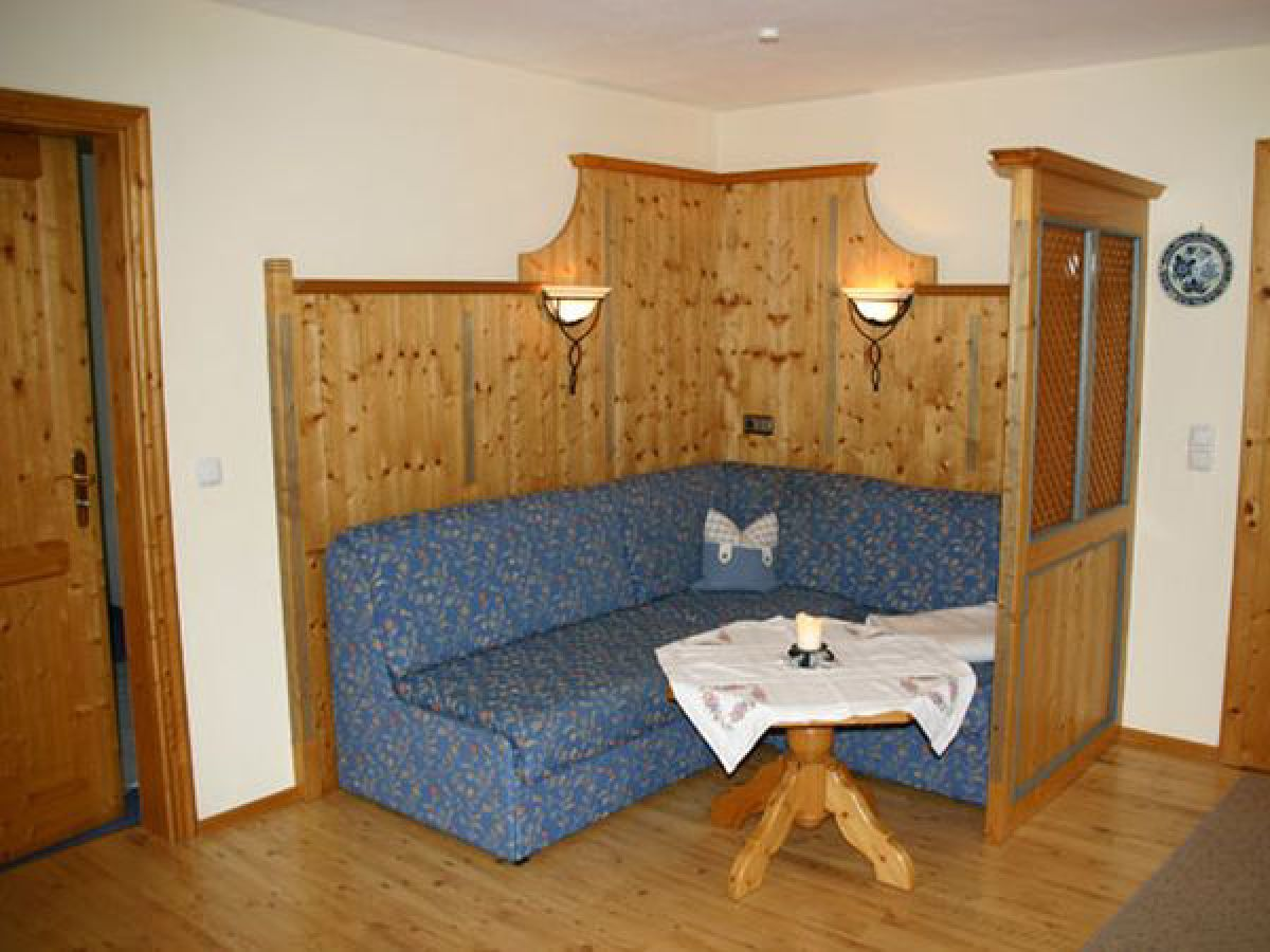 ferienwohnung matthias auf dem oberaschenauer hof chiemgau oberbayern herr theo weibhauser. Black Bedroom Furniture Sets. Home Design Ideas