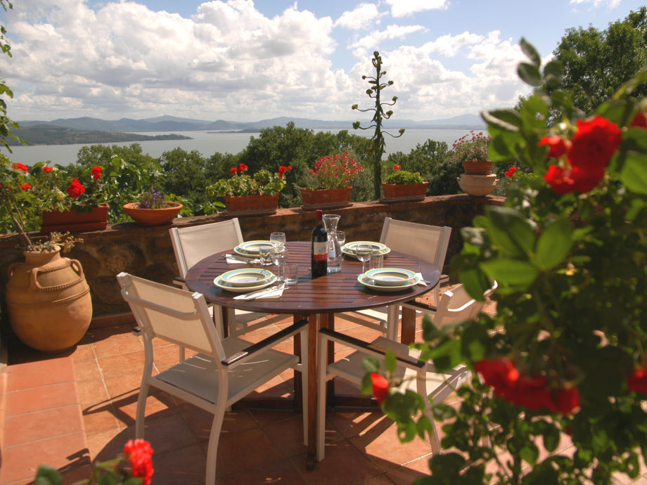 Terrasse mit traumhaftem Panorama (Wohnung Viola)