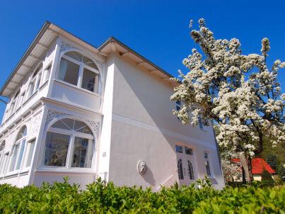 Villa Sanssouci F568 WG 2 im DG mit Loggia + Garten