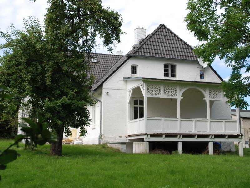 Schloss Gutshaus Glowitz F 800 mit Garten
