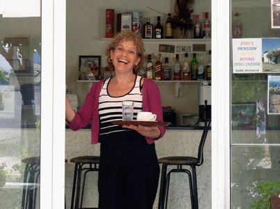Ihr Gastgeber Jodi Spinthakis
