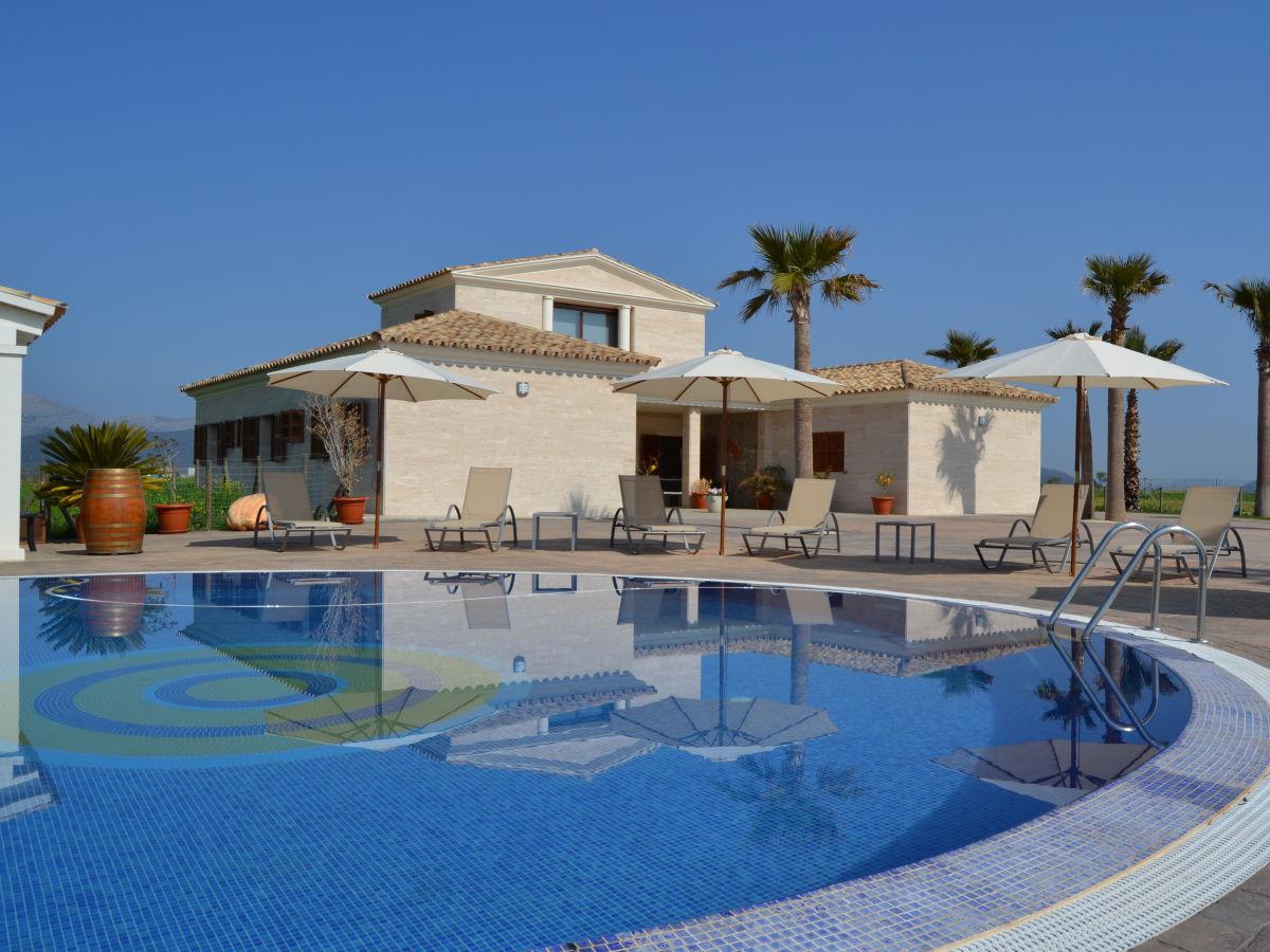 Modern Mediterranean Style Villa 012 Muro Sa Pobla