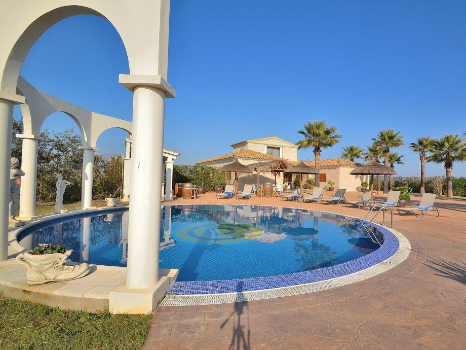 Außenaufnahme Moderne Villa 012 im mediterranen Stil