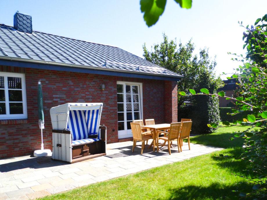 Freistehendes Ferienhaus in Wyk: Sauna, Kamin, BBQ