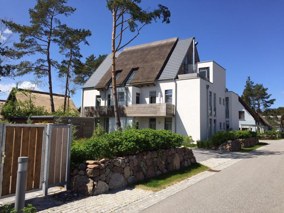 Blick auf das stilistische Reetdachhaus