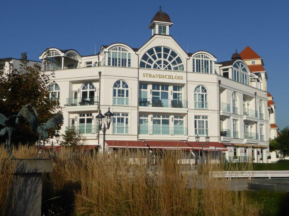 Blick auf das Strandschloss