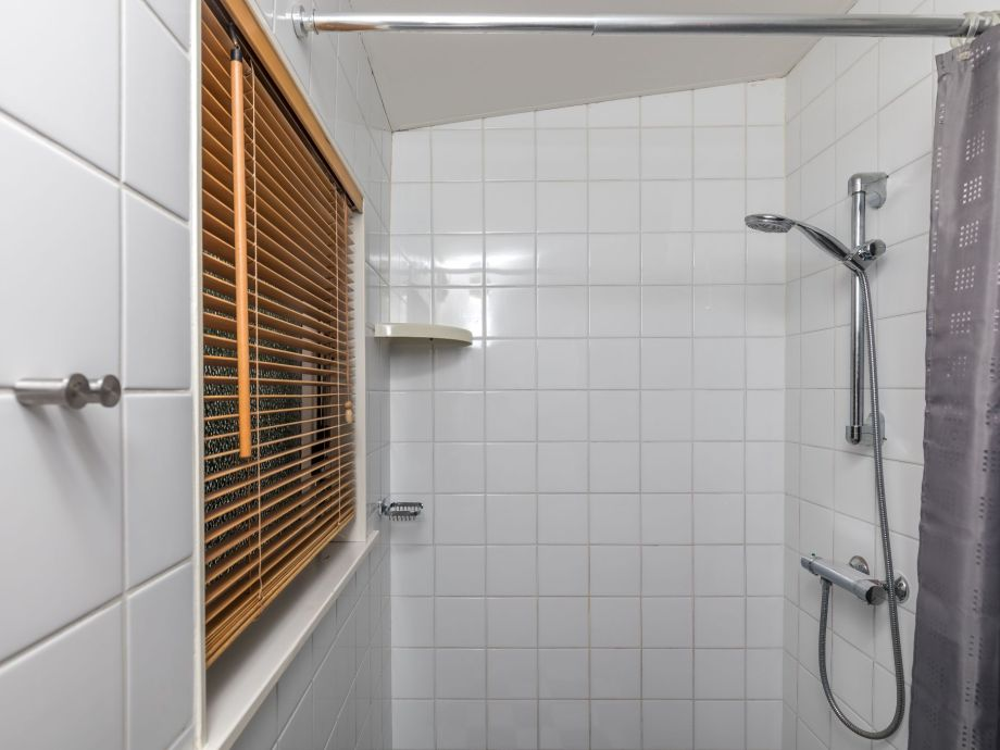 ferienhaus de luwte zeeland burgh haamstede firma sorglos urlaub in zeeland frau. Black Bedroom Furniture Sets. Home Design Ideas