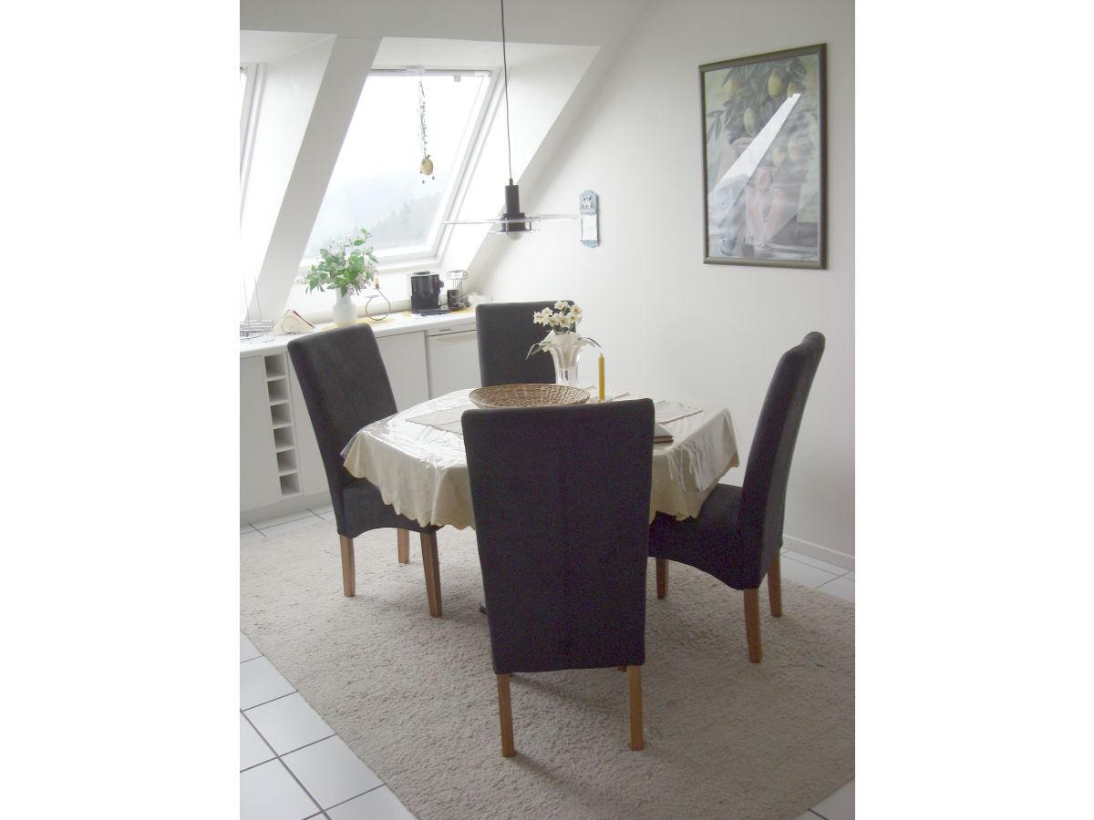 ferienwohnung penthauswohnung waldblick winterberg On essecke mit stühlen