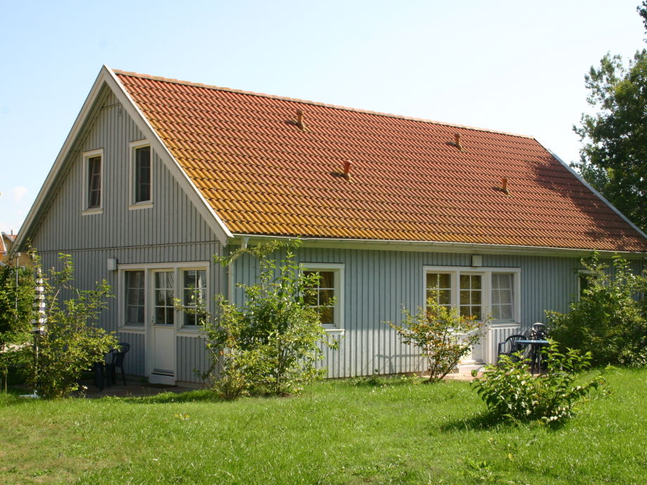 Ferienhaus Weihe (Reihenhaus außen) mit Terrasse
