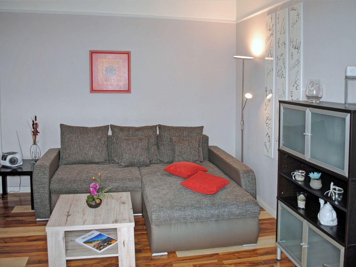 ferienwohnung 6 strandmuschel im haus karin ostseebad binz auf der insel r gen firma. Black Bedroom Furniture Sets. Home Design Ideas