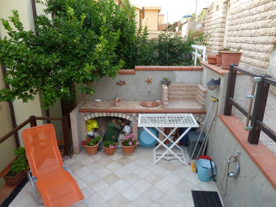 ferienwohnung orietta direkt am meer balkon mit tollem. Black Bedroom Furniture Sets. Home Design Ideas