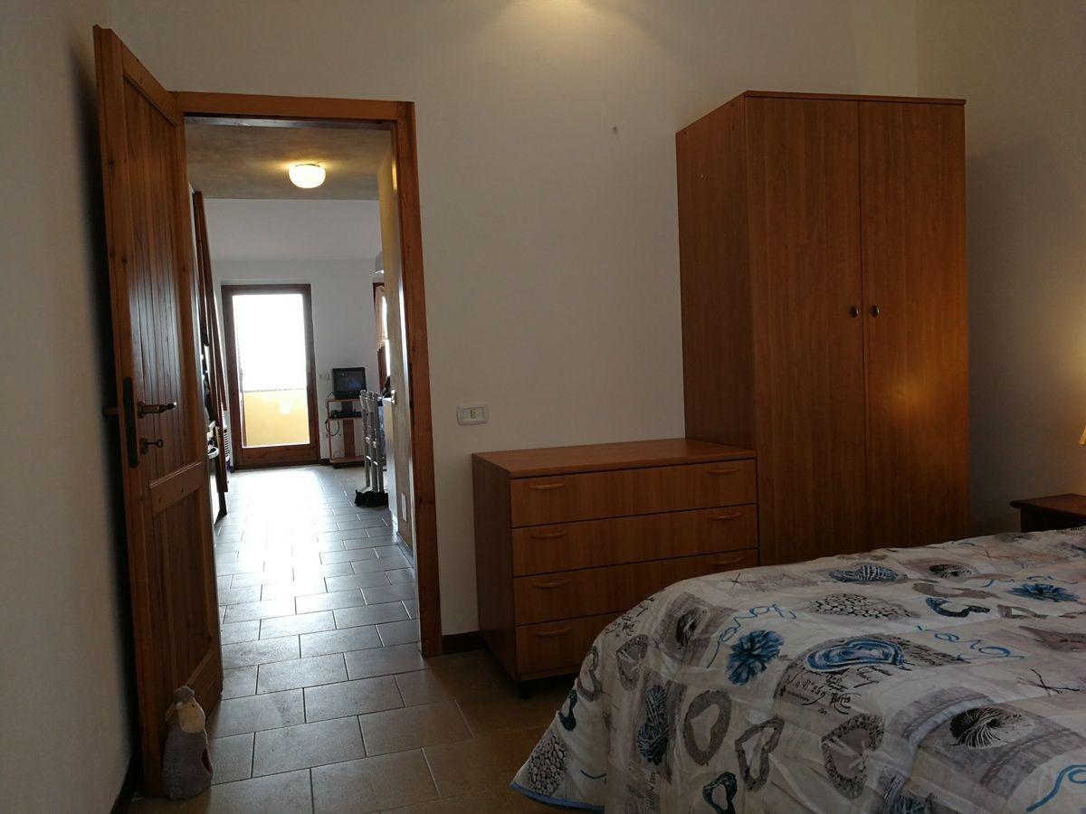 ferienwohnung aquamare direkt am meer balkon und garten. Black Bedroom Furniture Sets. Home Design Ideas