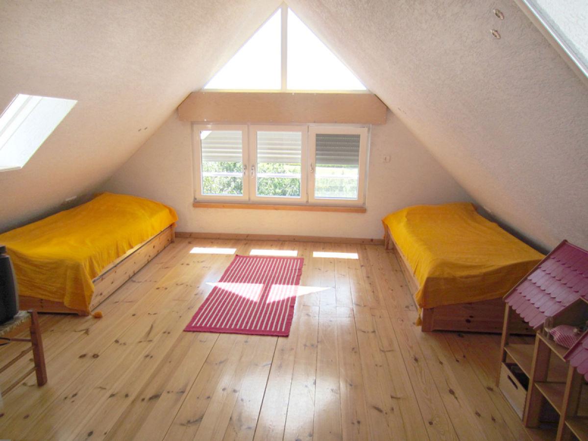 Ferienhaus diekblick nordseebad und kurort burhave butjadingen frau cornelia held - Dachgeschoss schlafzimmer ...