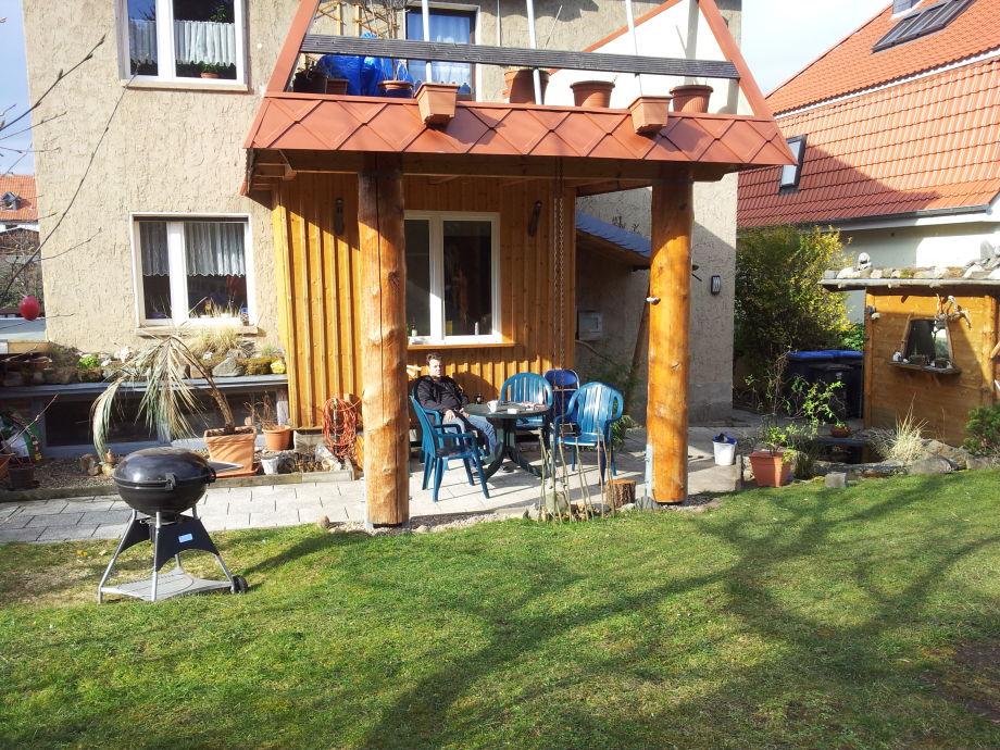 Garten mit Grillplatz und Sitzmöglichkeit