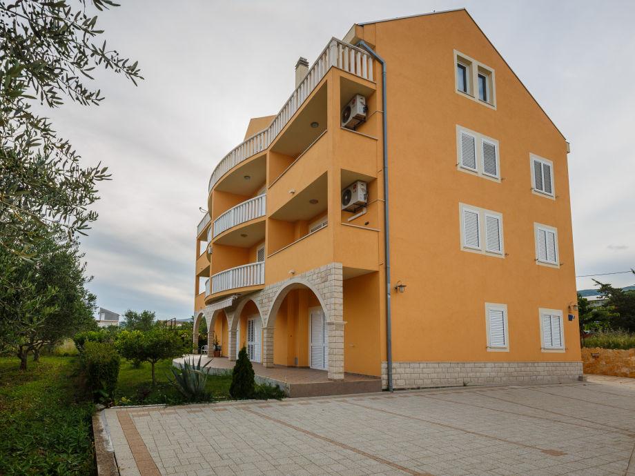 Das Apartmentshaus Valentin-Ost-Südseite des Hauses