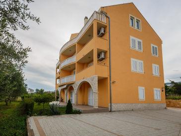 Apartment House Valentin