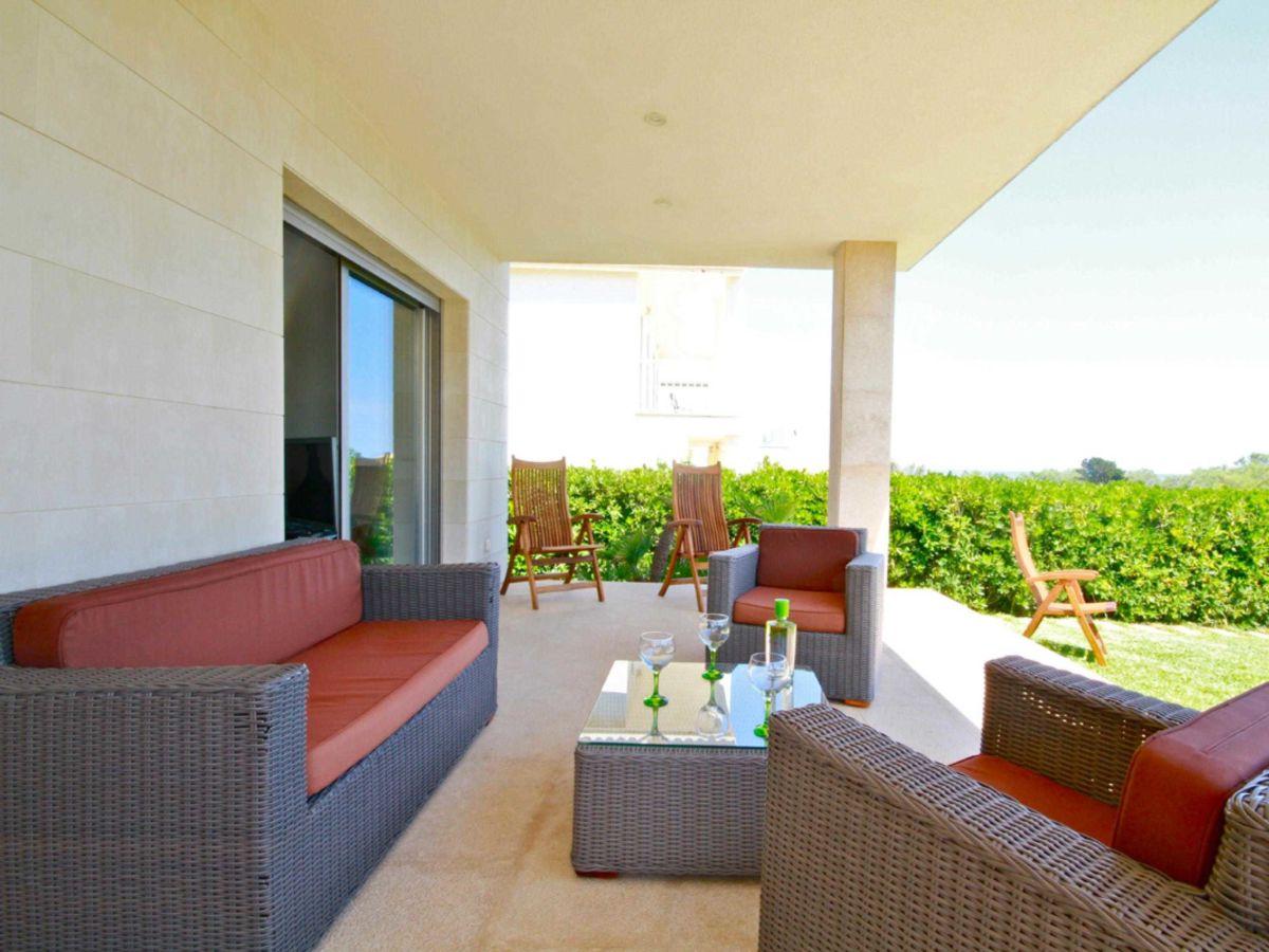 ferienhaus am strand eine moderne villa in 1 linie id44068 balearen mallorca osten colonia. Black Bedroom Furniture Sets. Home Design Ideas