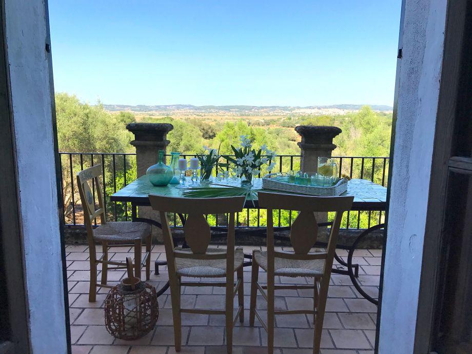 Panoramablick auf die mallorquinische Landschaft