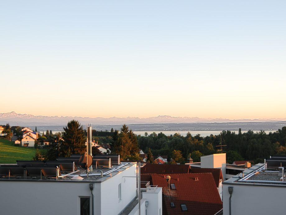 Ausblick aus Wohnung und Terrasse (ohne Zoom!)
