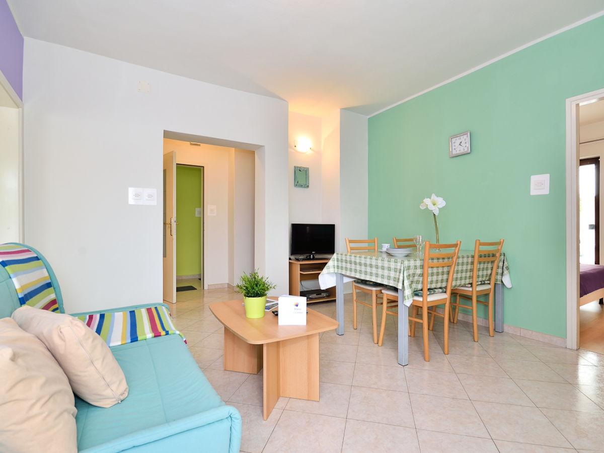 ferienwohnung 3 im haus palma kroatien porec firma apartments palma porec frau zdenka pilat. Black Bedroom Furniture Sets. Home Design Ideas