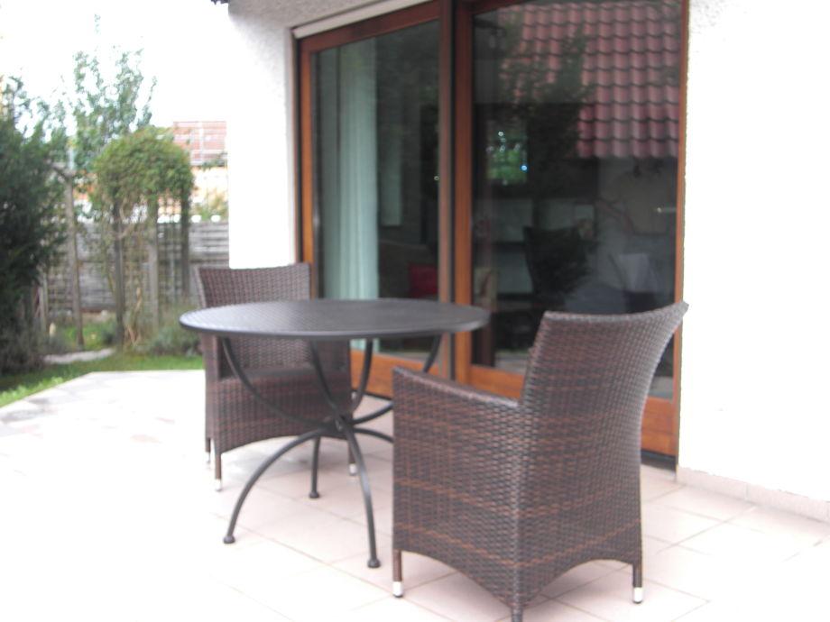 Terrasse und Gartenanteil
