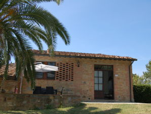 Weingut Orzale - 3-Zimmer-Ferienhaus mit Pool