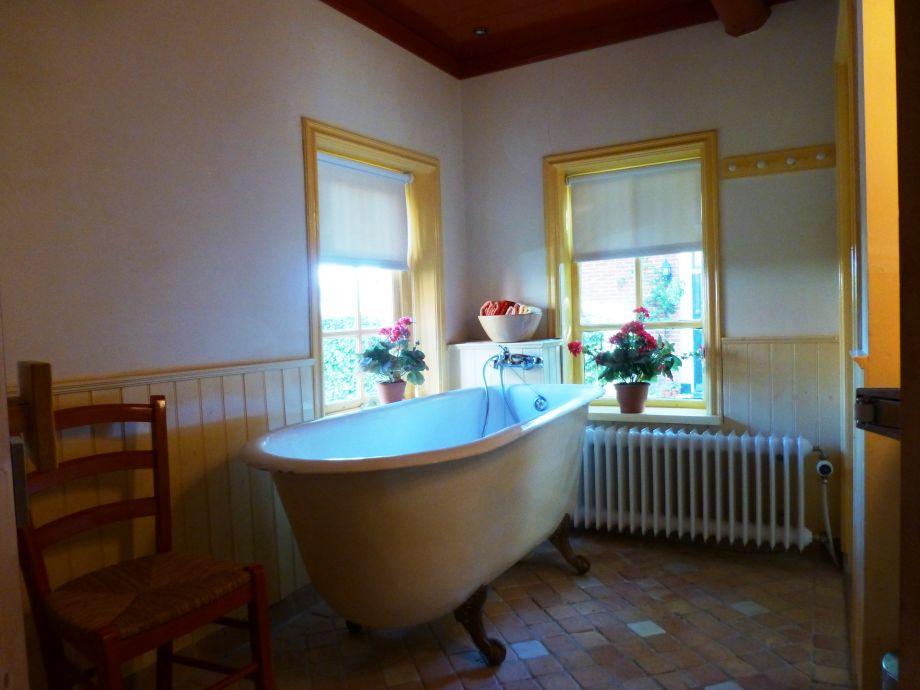 Ferienhaus lutje hoeske das norden von groningen auf das for Badezimmer jasper