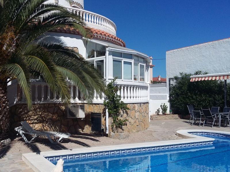 Ferienhaus Poolvilla Golondrina