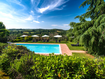 Holiday apartment 2-room-apartment on idyllic vineyard with pool