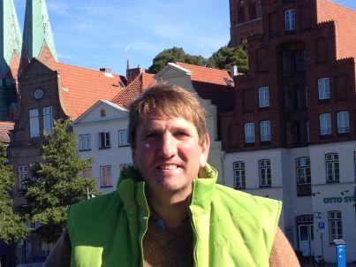 Ihr Gastgeber Henrik Johns
