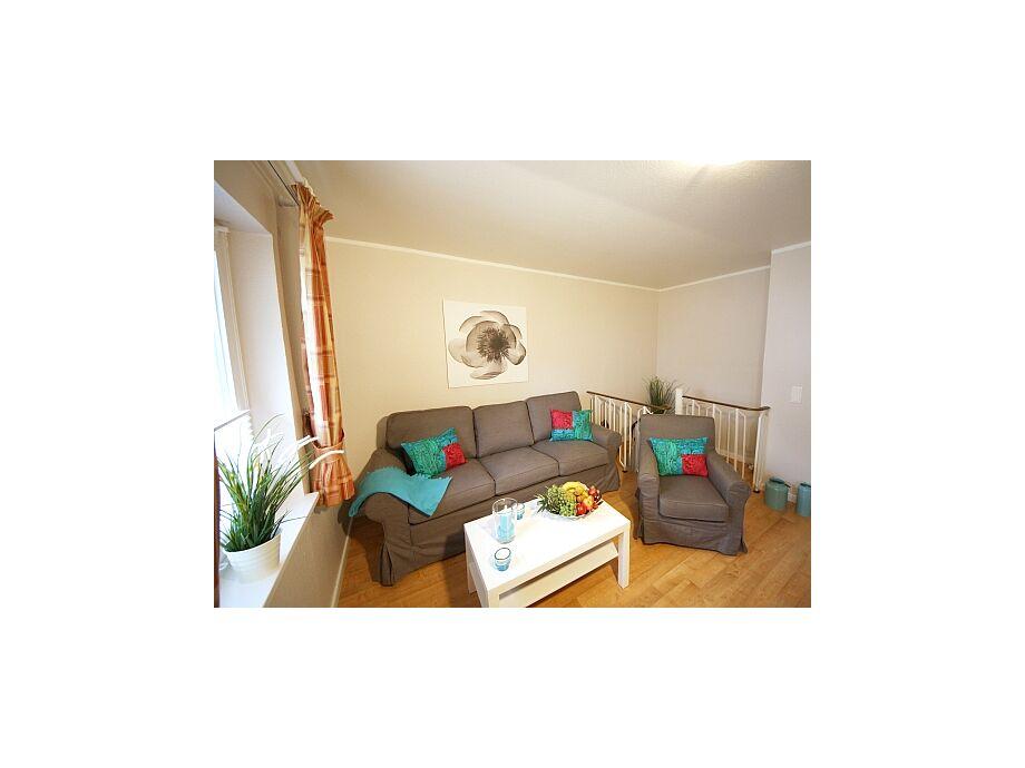 Blick in den renovierten Wohnraum vom Flat-TV aus.