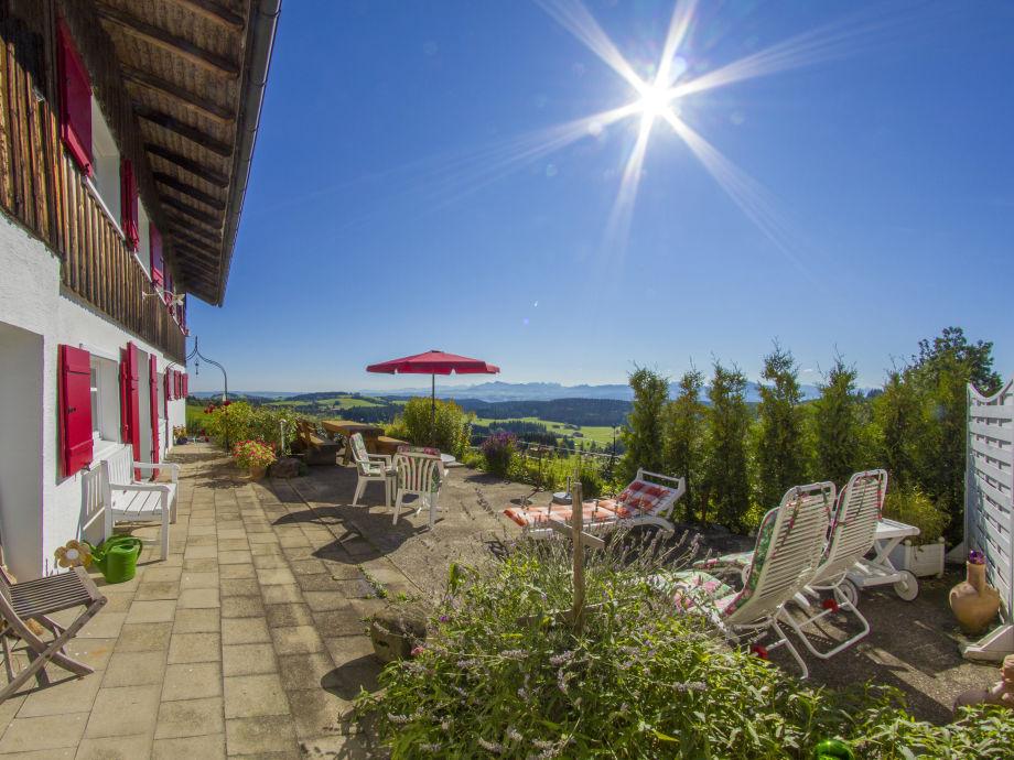 Terrasse zum Frühstücken mit Panoramablick