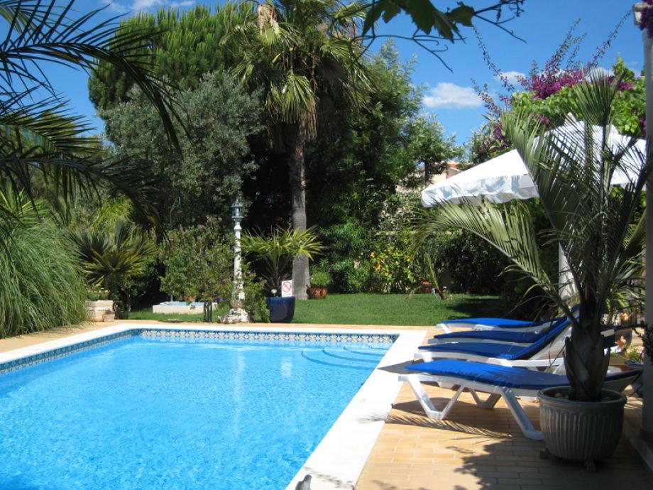 ferienhaus vivenda das palmeiras porches lagoa frau elena laranjeira deutsche. Black Bedroom Furniture Sets. Home Design Ideas