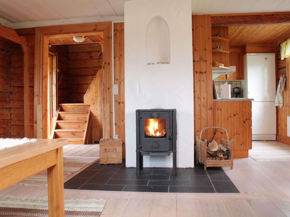 Typisch schwedisches ferienhaus auf dem lande tran s herr michael kleemann - Romantisches wohnzimmer ...