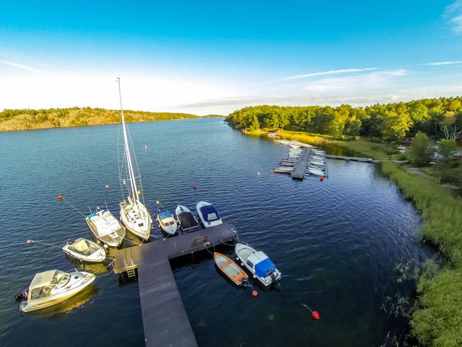 Blick auf den Pier mit den Booten