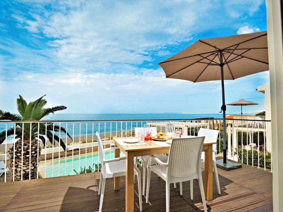 Einer von 2 Balkonen mit atemberaubender Meersicht
