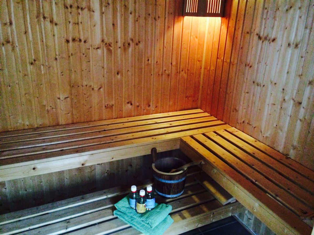 ferienwohnung wiebke ferien in almdorf zwischen husum. Black Bedroom Furniture Sets. Home Design Ideas
