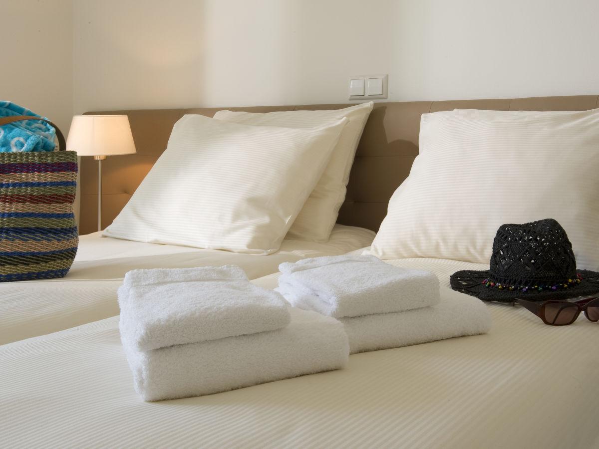 apartment duinhof v 16 zeeland cadzand bad firma duinhof holidays frau sarah van. Black Bedroom Furniture Sets. Home Design Ideas
