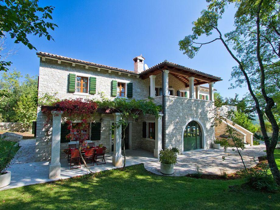 Geschmackvolle Villa Kringa in idealer Lage