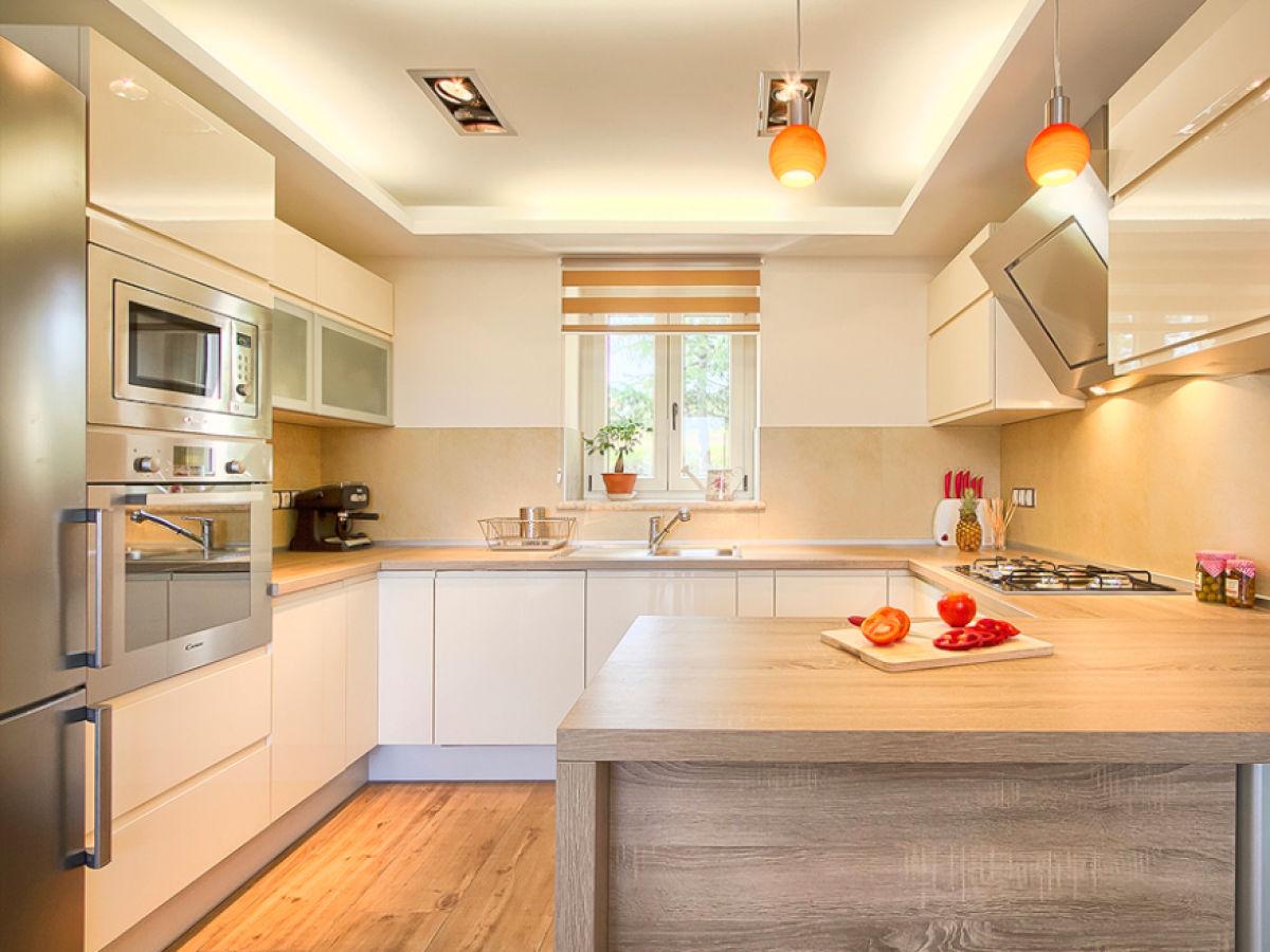 Villa braide istria motovun area firma my istria for Very modern kitchens