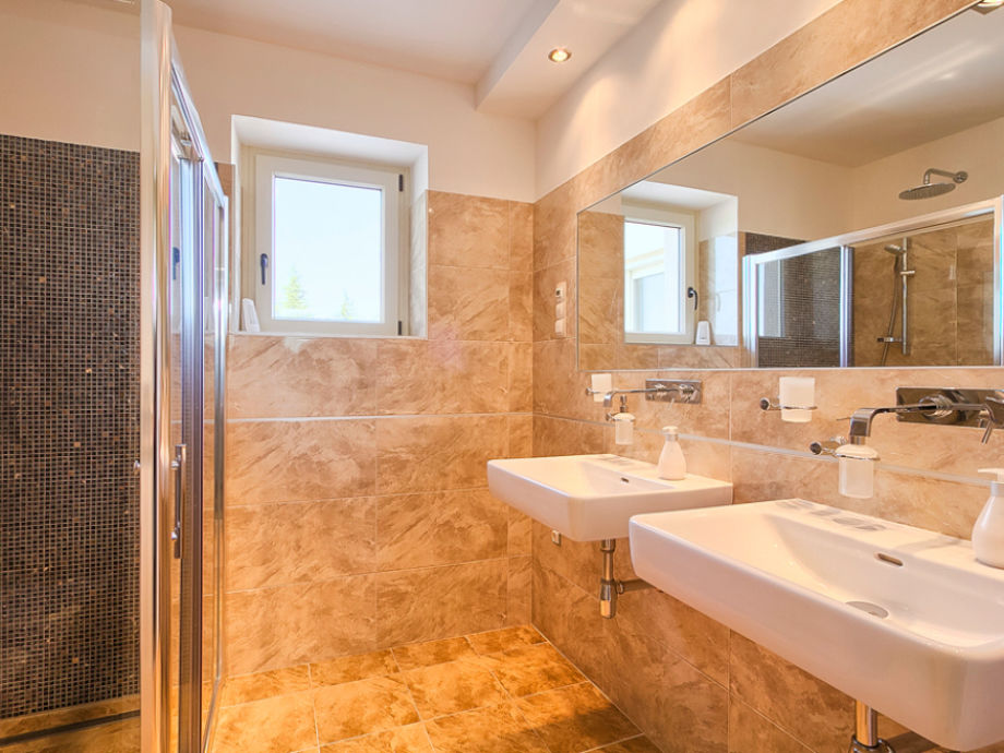 Villa braide istrien motovun area firma my istria - Badezimmer zwei waschbecken ...