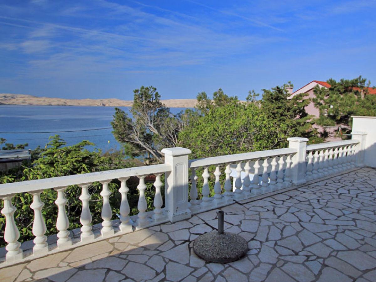 Holiday apartment kern karlobag kvarner bay ms anita kern for The terrace top date