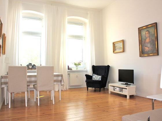 private ferienwohnung altbaudomizil mona lisa berlin charlottenburg zwischen schloss und. Black Bedroom Furniture Sets. Home Design Ideas
