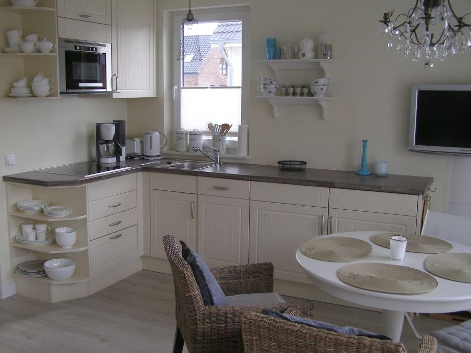 Küchenzeile mit Geschirrspüler u. Waschtrockner