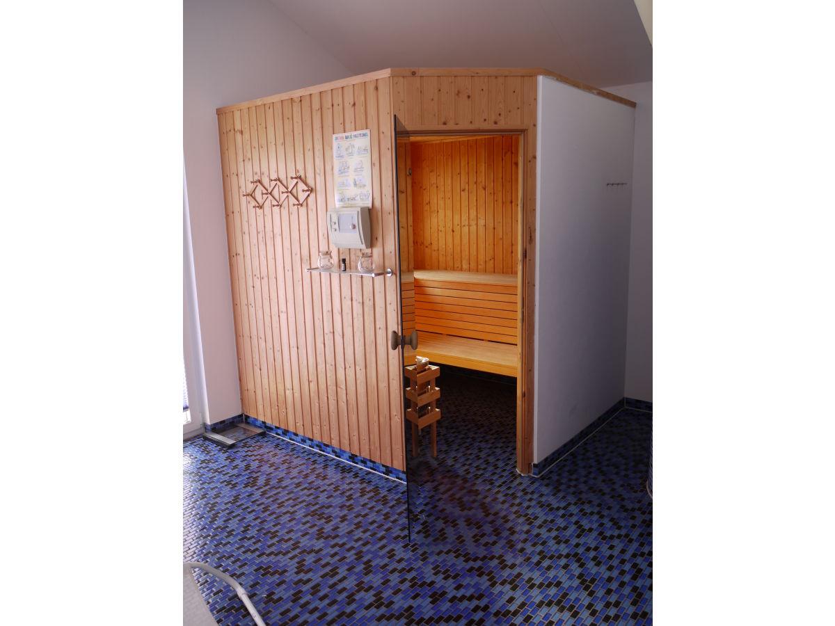 ferienwohnung zingst 2 3 mecklenburg vorpommern frau. Black Bedroom Furniture Sets. Home Design Ideas