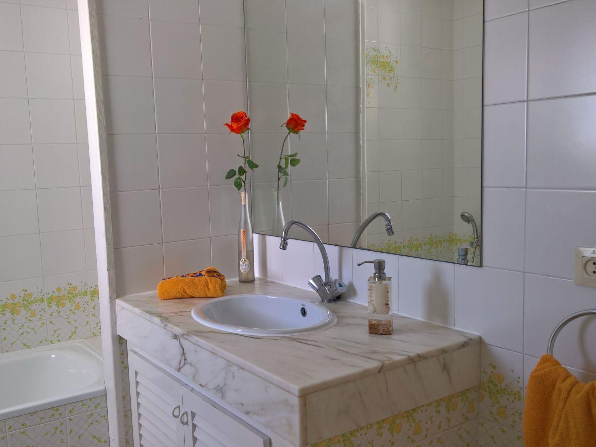 ferienhaus casa canal medes empuriabrava frau hoffmann. Black Bedroom Furniture Sets. Home Design Ideas