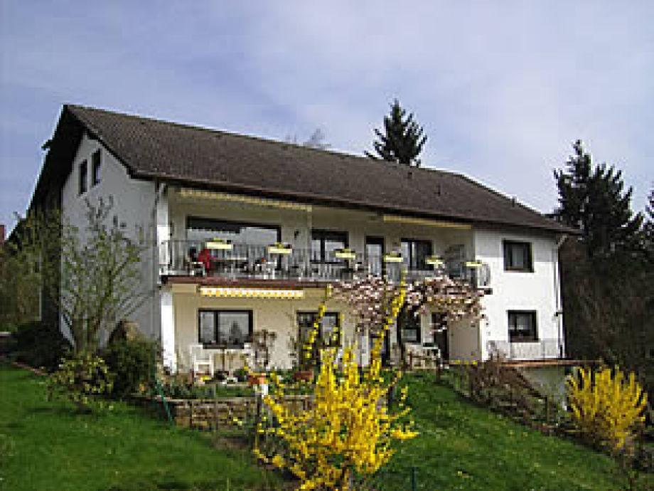 Haus /Terrassenseite