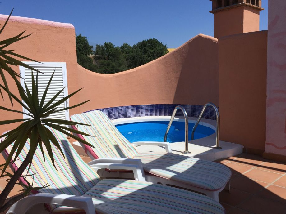 small swimming pool on the roof terrace